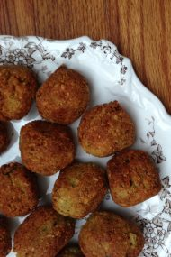 homemade falafel | www.injennieskitchen.com