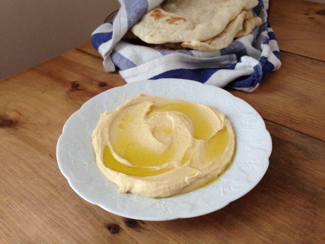 creamy homemade hummus | www.injennieskitchen.com