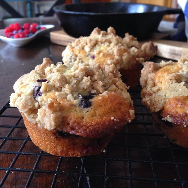 Blueberry & Raspberry Crumb Muffins | www.injennieskitchen.com