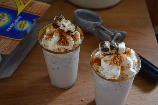 minty s'mores milkshake | www.injennieskitchen.com
