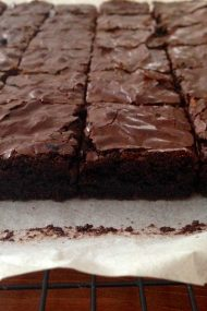 Easy, Homemade Fudge Brownies {dairy free} | www.injennieskitchen.com