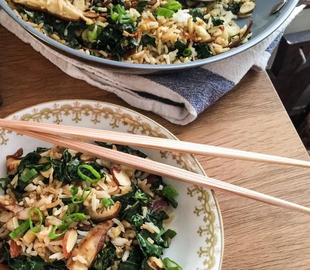 Fast & Easy Recipe for Kale Fried Rice | www.injennieskitchen.com