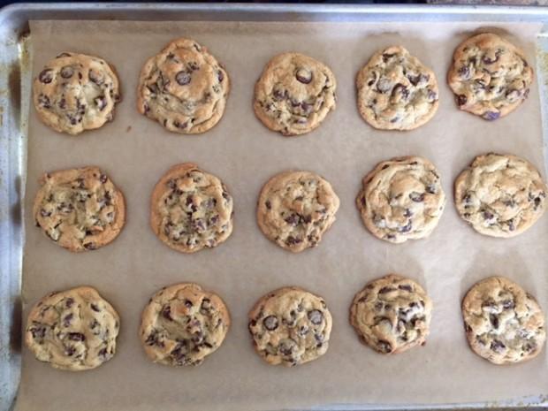perfect chocolate chip cookies | www.injennieskitchen.com