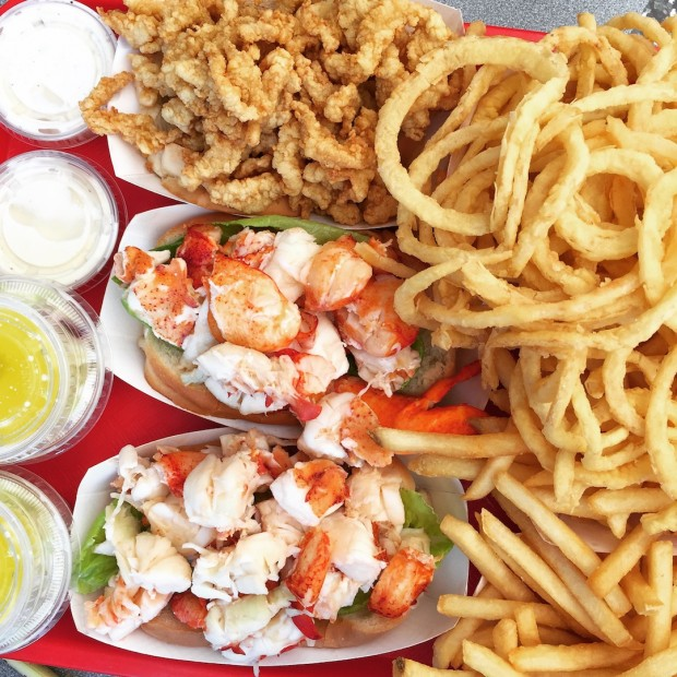 The Best Lobster Roll on Cape Cod | www.injennieskitchen.com