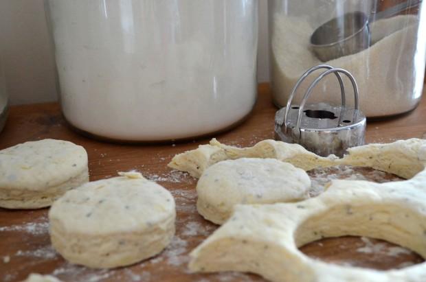 Gruyere Cheese & Rosemary Buttermilk Biscuits | www.injennieskitchen.com