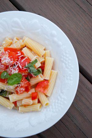 No Cook Tomato Basil Sauce | In Jennie's Kitchen