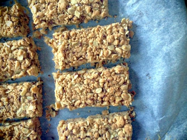 Apple Breakfast Bars | In Jennie's Kitchen