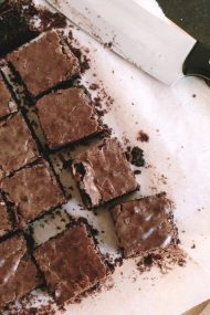 milk chocolate brownies | www.injennieskitchen.com