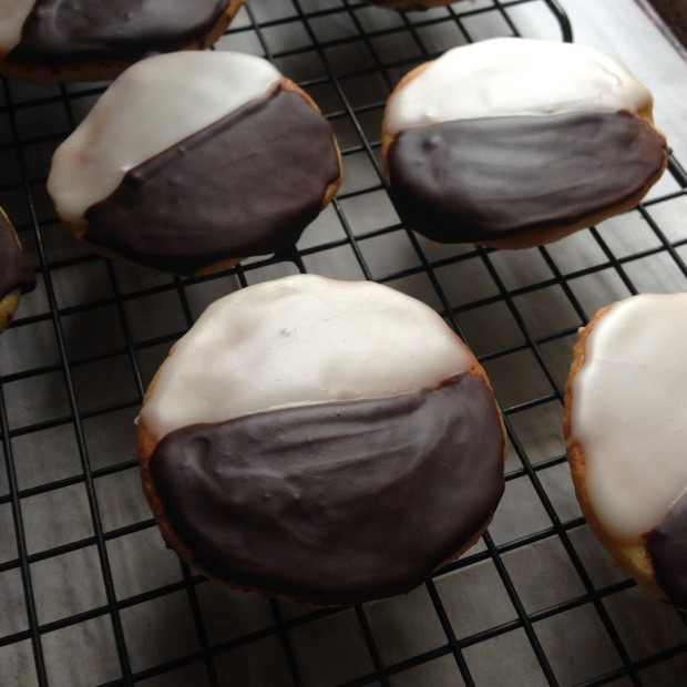 black & white cookies | www.injennieskitchen.com