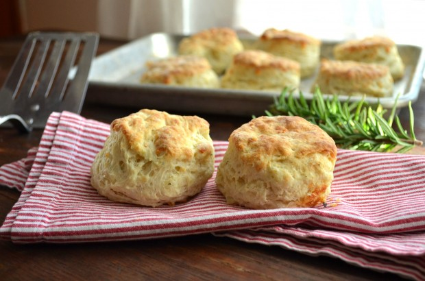 Gruyere Cheese Biscuits 04