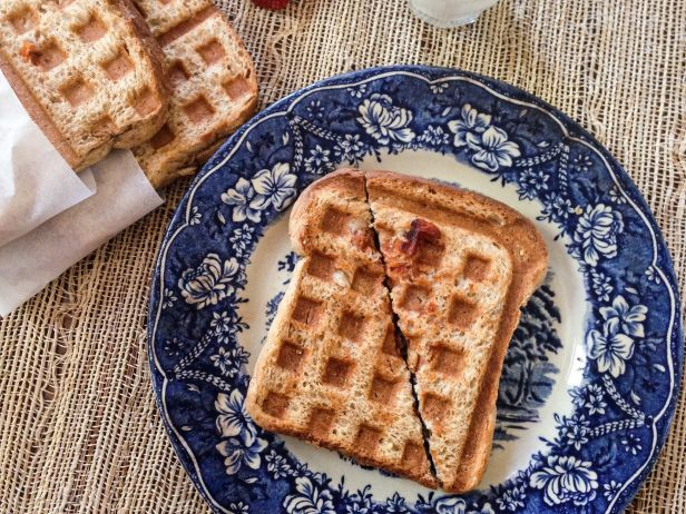Waffle Pressed Pizza Pockets | www.injennieskitchen.com