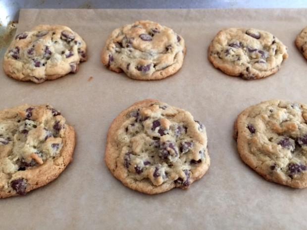 perfect chocolate chip cookies   www.injennieskitchen.com