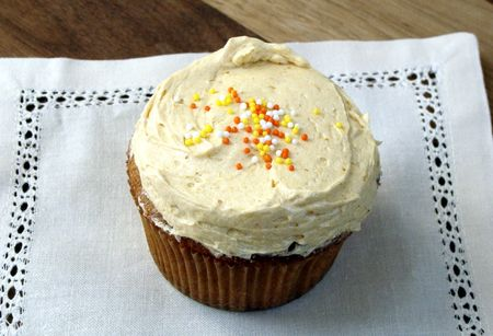 Pumpkin Buttercream Frosting | recipe at www.injennieskitchen.com