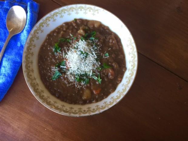 Slow Cooker Lentil Soup | www.injennieskitchen.com