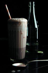Homemade Dairy Free Chocolate Syrup | www.injennieskitchen.com