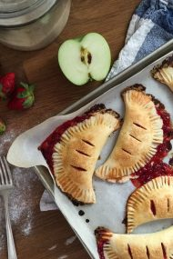 Strawberry Hand Pies | www.injennieskitchen.com