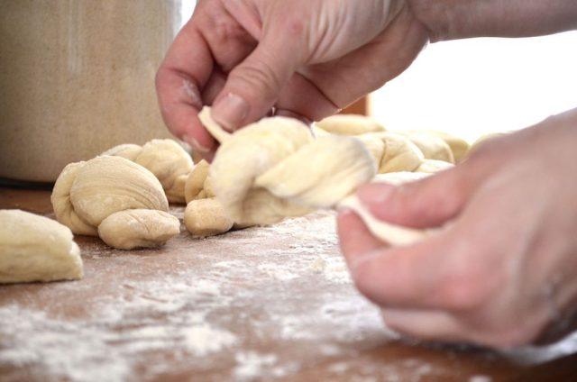 Homemade Garlic Knots | In Jennie's Kitchen