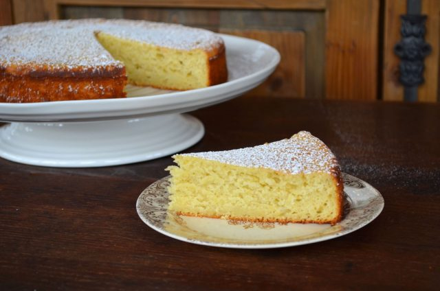 Lemon Honey Olive Oil Cake | In Jennie's Kitchen