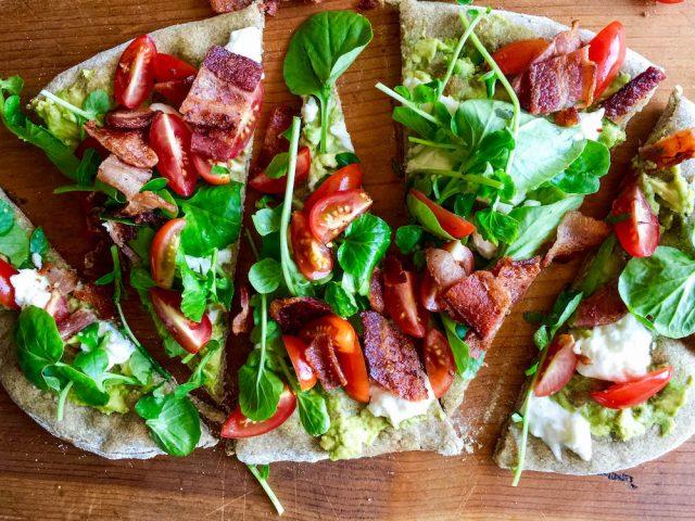 BLT Pizza Recipe | In Jennie's Kitchen