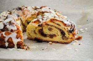 Raisin WRaisin Pecan Couronne {breakfast danish} | In Jennie's Kitchenalnut Couronne {breakfast danish} | In Jennie's Kitchen