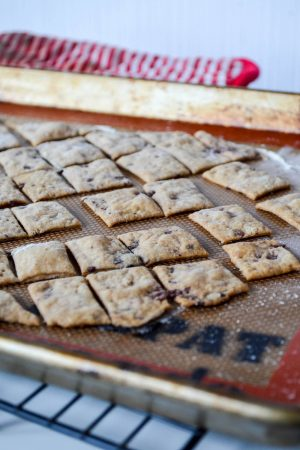 Kalamata Olive & Spelt Sourdough Crackers | In Jennie's Kitchen