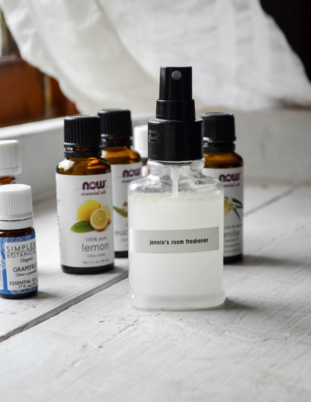 DIY All-Natural Room Freshener - In