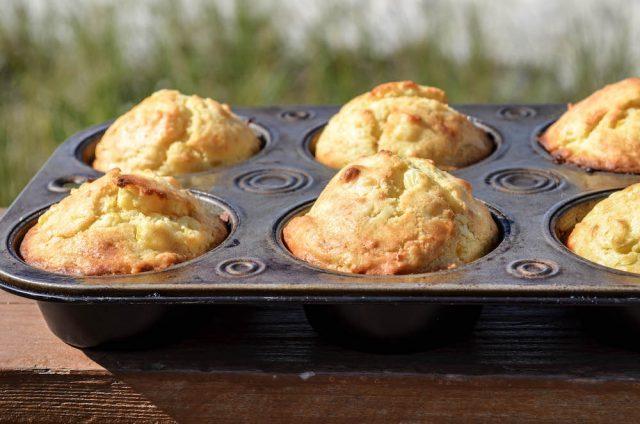 No-Cornmeal Corn Muffins (a small batch